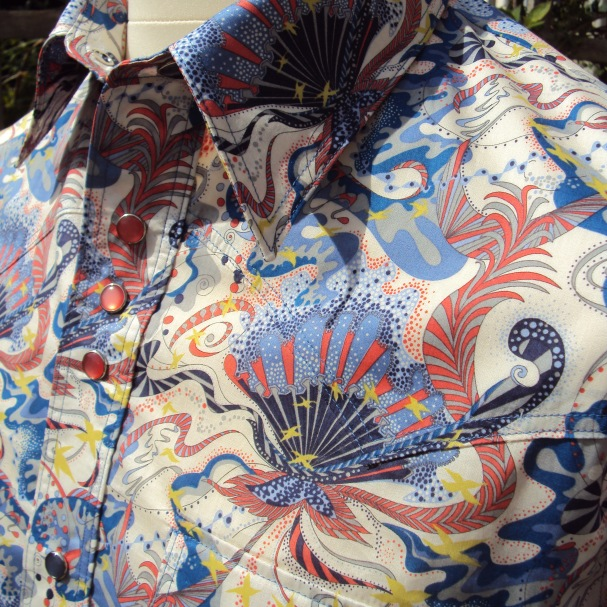 Jim Lauderdale's 2013 AMA Awards Show shirt in Liberty 'Wendy Woo'https://dandyandrose.com/2013/10/30/809/