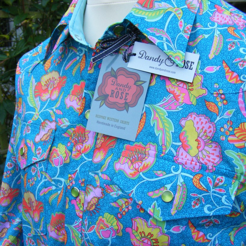 Jim Lauderdale's shirt in Liberty 'Poppyseed Dreams B' https://dandyandrose.com/2014/11/19/made-to-make-your-mouth-water/