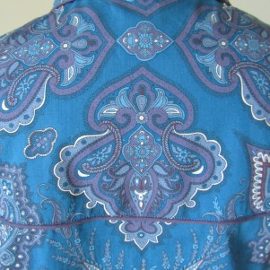 tina-closer-back-lady-paisley